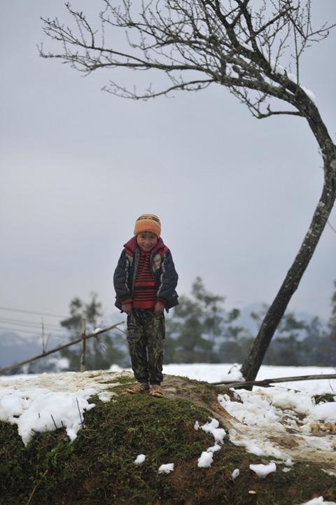 Những đôi chân trần trên tuyết Sa Pa làm nhiều người rơi lệ 7