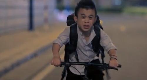 Xúc động clip tình yêu của người mẫu Lê Thanh Thảo và bạn trai 1m26 3