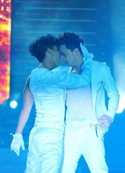 Showbiz Việt lạm dụng quá đà yếu tố đồng tính để câu khách 19