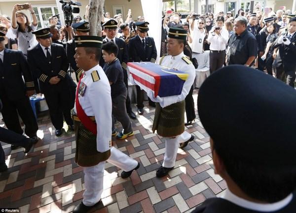 Đẫm nước mắt tang lễ 2 phi công vụ MH17 8