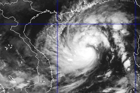 Cơn bão mạnh nhất từ đầu năm đang hướng vào miền Trung 1