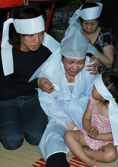 Việt Hương đau đớn vì mẹ mất đột ngột 1