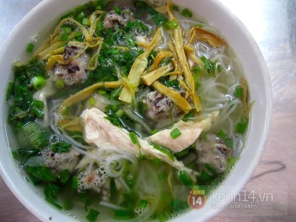 Hà Nội: Bún gà mọc 20.000 tuyệt ngon phố Tuệ Tĩnh 2