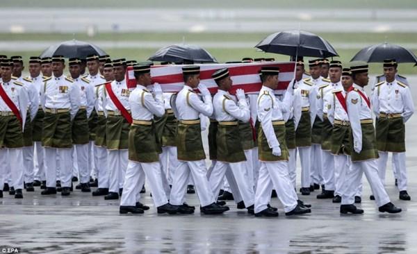 Đẫm nước mắt tang lễ 2 phi công vụ MH17 14