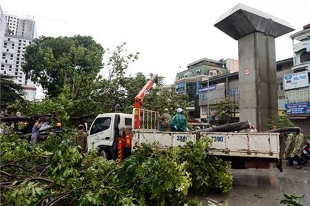 Hà Nội xáo trộn vì bão Haiyan 6