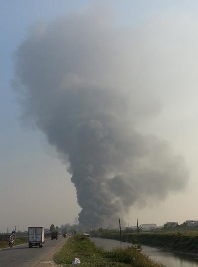 Biển lửa bao trùm nhà máy Diana Bắc Ninh 1