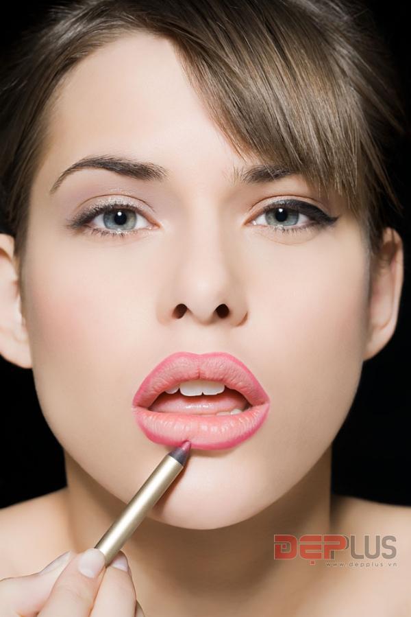 Cách trang điểm khắc phục nhược điểm của đôi môi 5