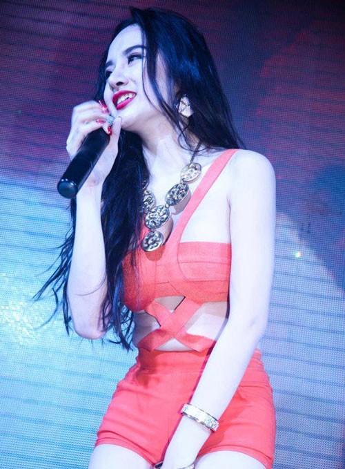 Mốt quần 5 cm của Angela Phương Trinh 6
