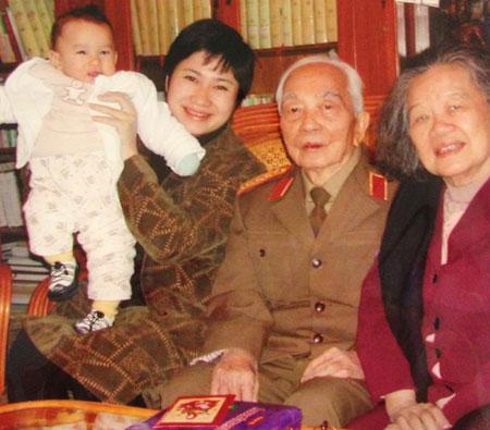 Tướng Giáp - người đàn ông tình cảm trong gia đình 2