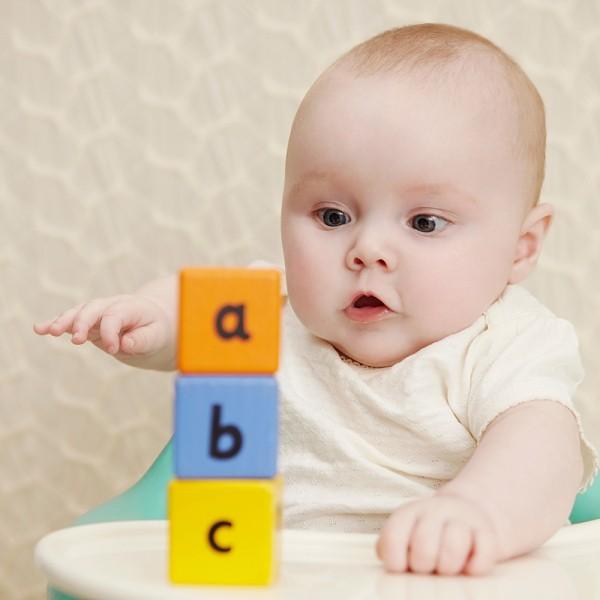 8 trò chơi mẹ có thể dạy bé học chữ từ sớm 2