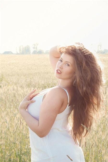 Cô nàng người Nga nổi tiếng vì xinh đẹp và mập mạp 18