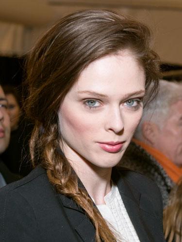 7 kiểu tóc búi, cột quyến rũ cho mùa Hè 2013 15