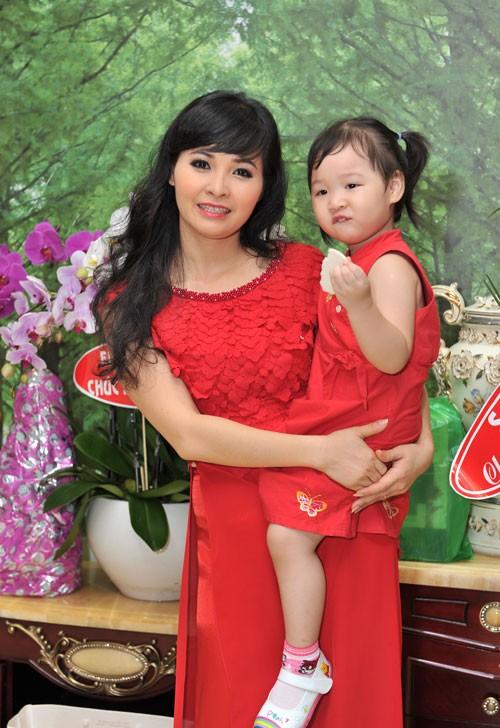 Những sao Việt nhà giàu, không đặt nặng cát-xê 16