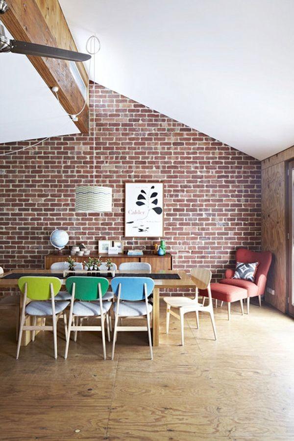Nhà nổi bật nhờ những chiếc ghế màu sắc... cọc cạch 4