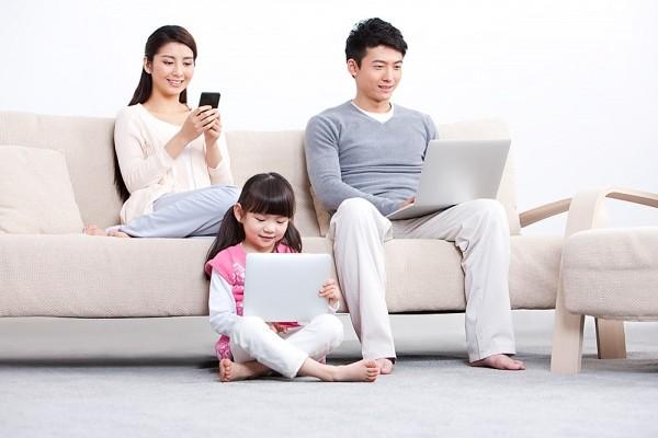 Ảnh hưởng từ các thiết bị công nghệ tới sức khỏe của trẻ 1
