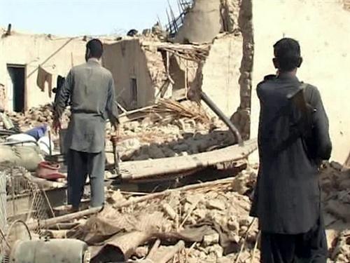 Kinh hoàng động đất mạnh ở Pakistan, 238 người chết 3