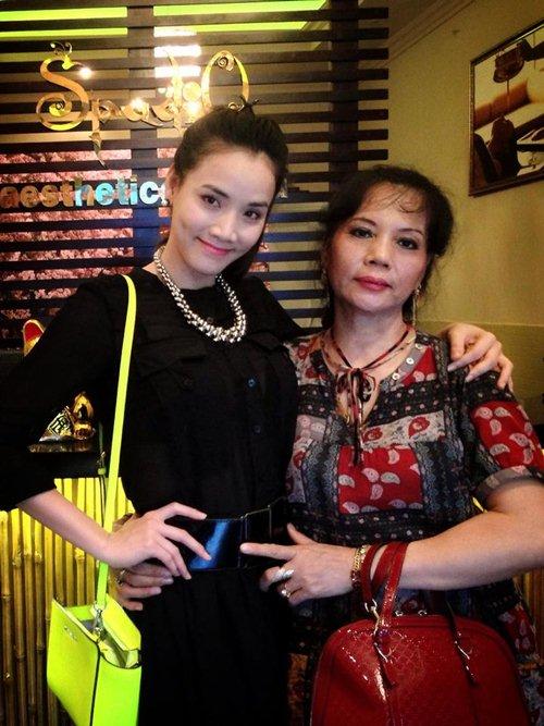 """3 mẫu túi làm """"chao đảo"""" mỹ nhân Việt 5"""