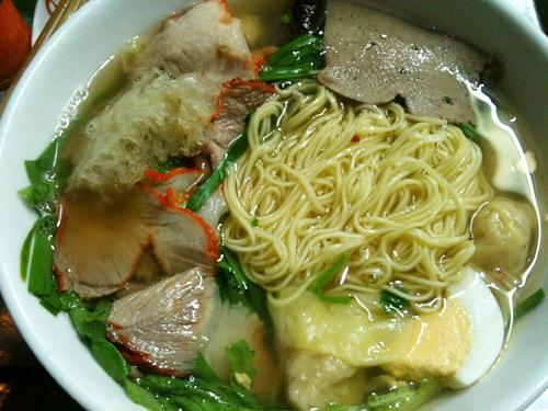 Những quán ăn đắt vẫn đông khách ở Hà Nội 5