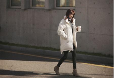 """Bí quyết mặc ấm và phong cách cho những ngày đi làm trời """"siêu lạnh"""" 29"""