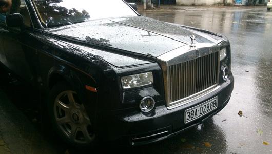 Đại gia ẩn mình và Rolls-Royce tai họa 4