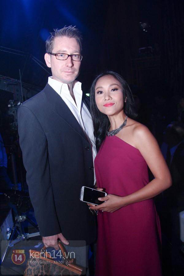 Kiều nữ Việt kém xinh đẹp vì lỗi trang điểm dày phấn 7