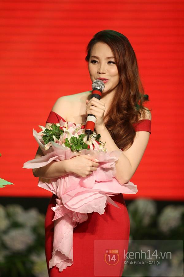 Hồ Quỳnh Hương bất ngờ thi tốt nghiệp 12