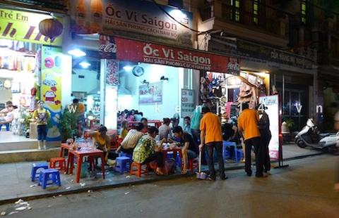 Các quán ốc Sài Gòn ngon trên đất Hà Thành 3