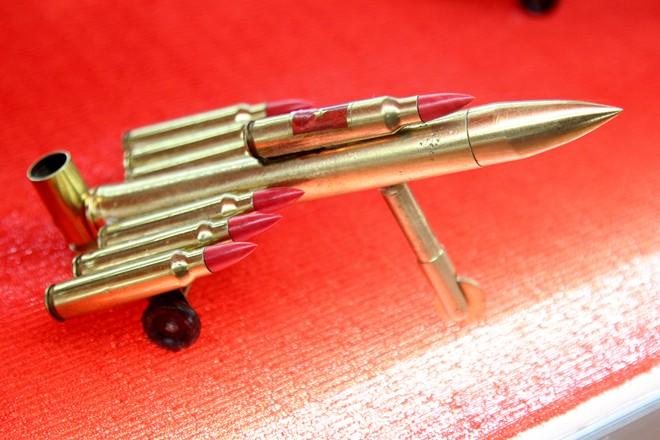 Hàng lưu niệm bằng vỏ đạn giá dưới 100.000 đồng ở Sài Gòn 7