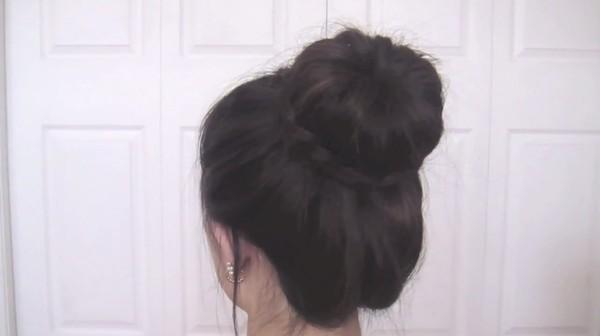 Tự thực hiện 3 kiểu tóc duyên dáng tới công sở 20