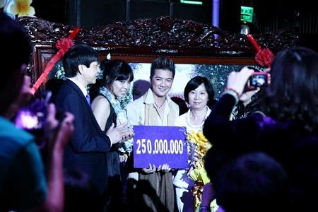 Sao Việt chứng tỏ sức ảnh hưởng bằng đấu giá từ thiện 5
