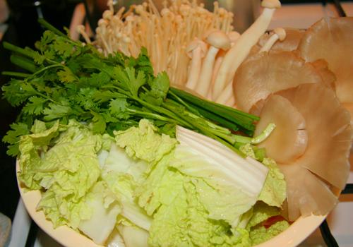 Thanh mát canh đậu phụ non nấu nấm 2