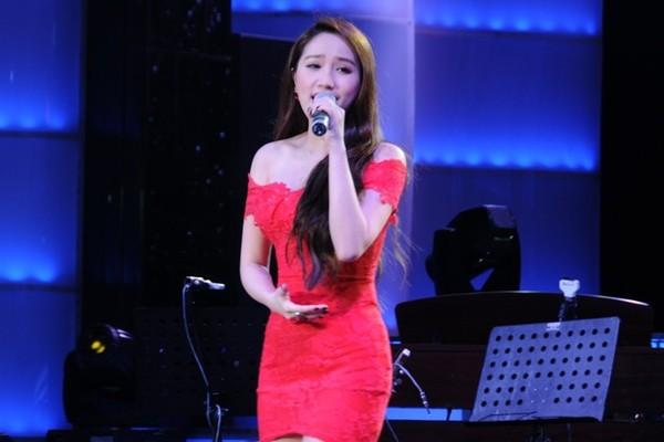 Lâm Chí Khanh bóp nghẹt vòng 1 trong đêm nhạc từ thiện 13