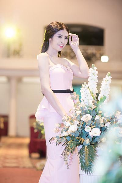 Hoa hậu Ngọc Hân ngày càng đẹp và trắng 5