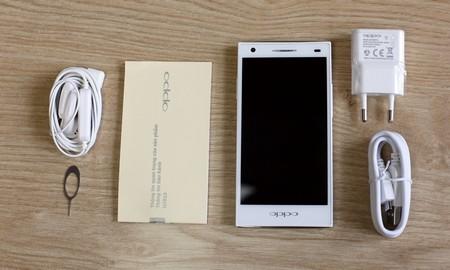 """Cận cảnh smartphone """"độc"""" có camera trước 5 megapixel tại Việt Nam 4"""