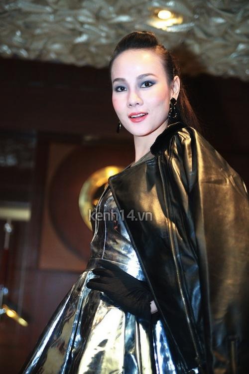 """Những sao Việt """"nghiện"""" phong cách trang điểm đậm 26"""