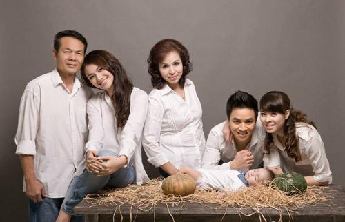 Hồng Quế khoe ảnh gia đình đẹp lung linh 2