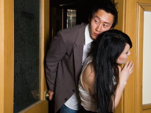 Những ông chồng thoáng với bồ, keo với vợ 1