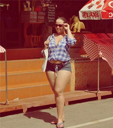 Cô nàng người Nga nổi tiếng vì xinh đẹp và mập mạp 11