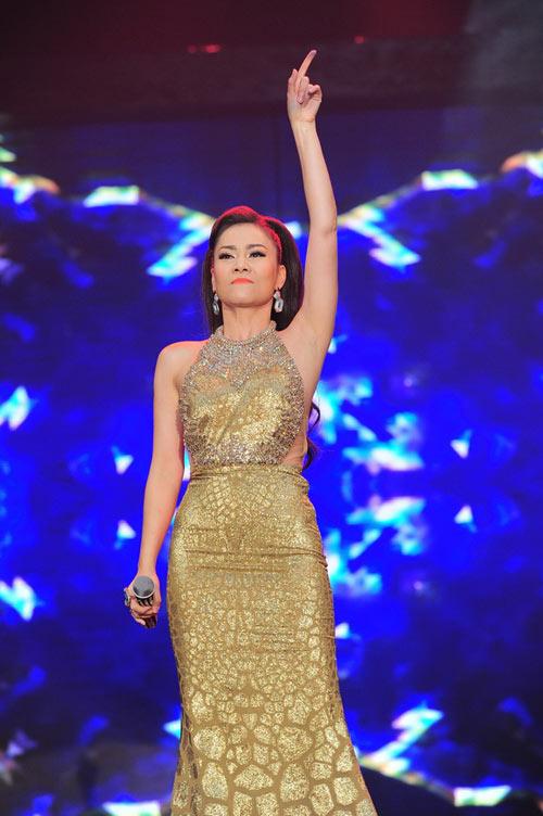 Thu Minh chi 700 triệu sắm hàng hiệu mặc trong Liveshow 3