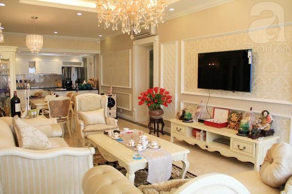 Mê mẩn căn hộ mang phong cách hoàng gia ở Sài Gòn 2