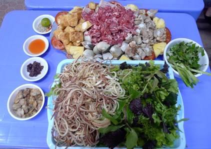 Lẩu riêu ngao bắp bò phố Nghĩa Tân 3