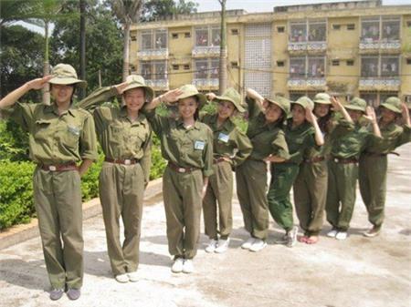 Hương Giang Idol xấu hổ khi kể về thời chưa chuyển giới 1