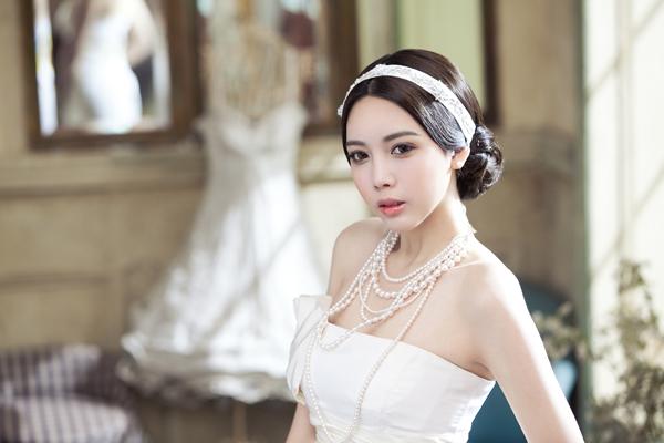 Bí quyết chọn người trang điểm cưới 1