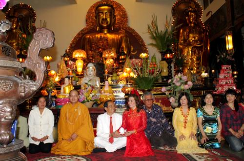 Sao Việt làm đám cưới nơi cửa Phật 4