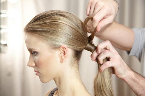 6 biến tấu thời thượng với tóc đuôi ngựa cho nàng công sở 1