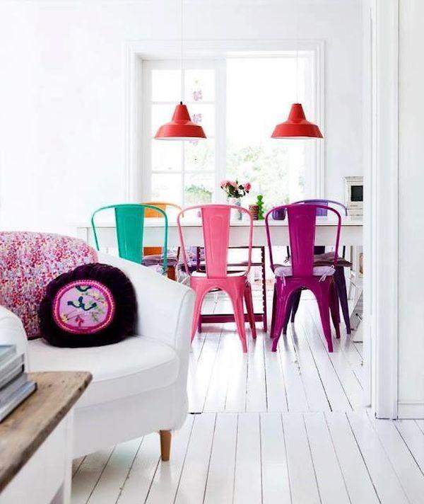 Nhà nổi bật nhờ những chiếc ghế màu sắc... cọc cạch 3