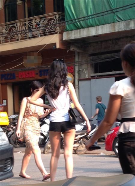 Những hành động lố bịch của thiếu nữ Việt 2