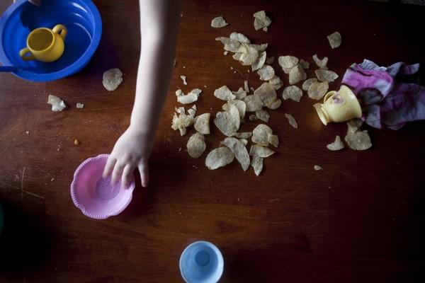 Thế giới bí ẩn của một bé gái 3 tuổi mắc bệnh tự kỷ 3