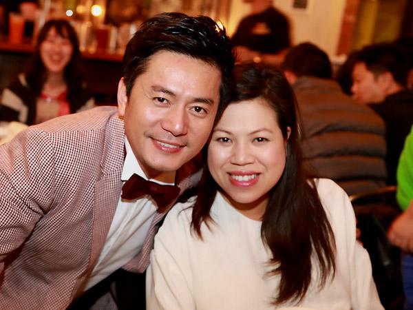 Vợ Trương Minh Cường khệ nệ bầu 9 tháng mừng sinh nhật chồng 3
