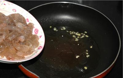 Tôm rim sa tế cay thơm đậm đà 3